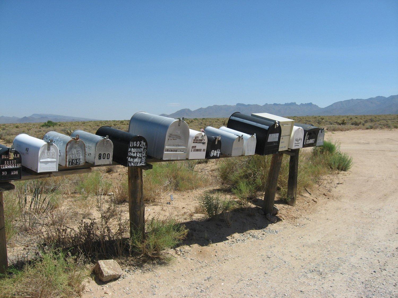 Viaggio in Arizona, cassette della posta nel deserto (Stati Uniti)