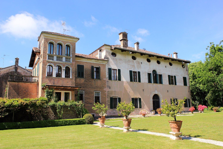 Castello di Cordovado, il parco di palazzo Freschi Piccolomini (Friuli Venezia Giulia)