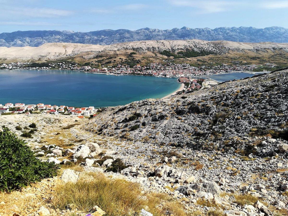 Panorama della città di Pag in Croazia